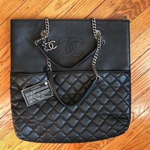 Authentic CHANEL Black Caviar Quilted tote